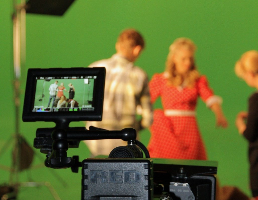 Green Screen video services give by Dream engine animation studio